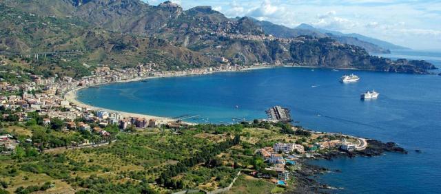 Baie de Taormine - Giardini Naxos