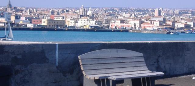 Vue sur le port de Catane