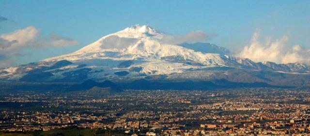 Catane - Vue sur l'Etna