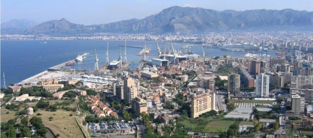 Vue sur le port de Palerme