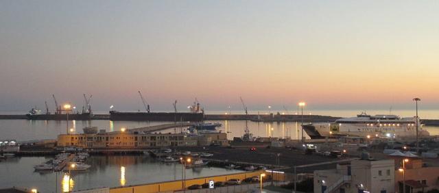 Vue sur le port de Pozzallo