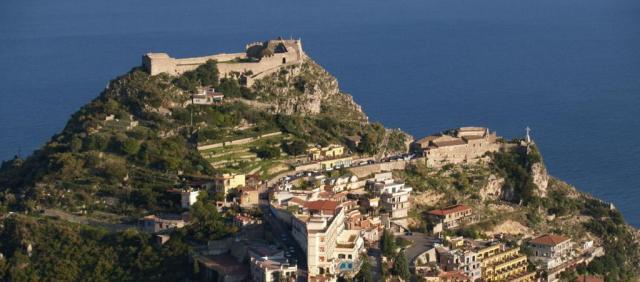 Taormine vue sur le mont